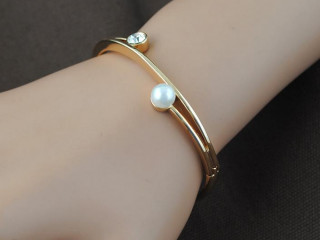 Simple bangles and braclets