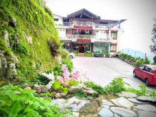 Hotel SunnSnow- Safest Family Hotel in Mussoorie