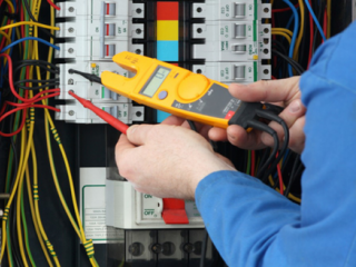 Best Electrician in Noida | Electric worker